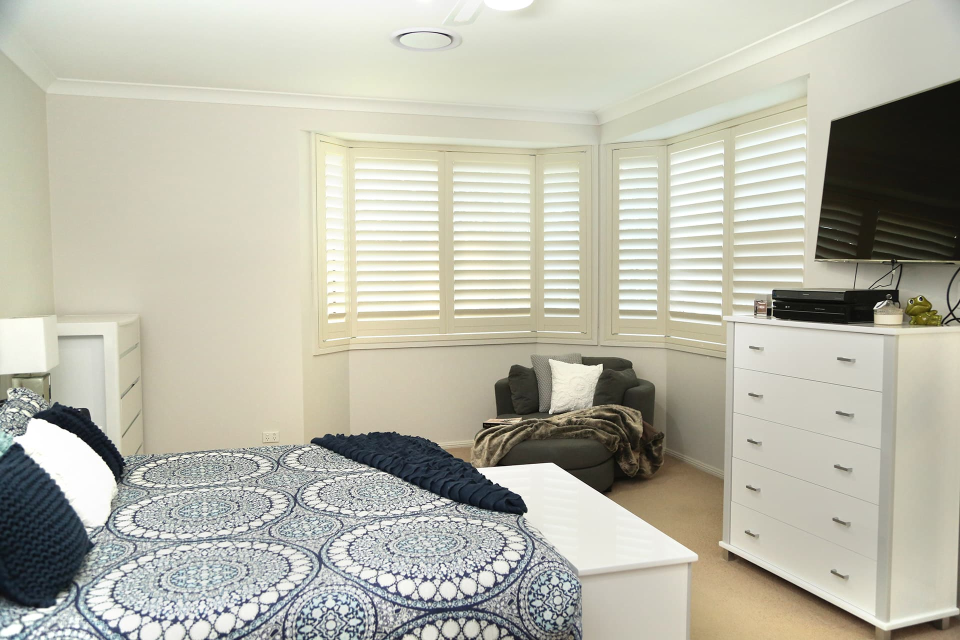 internal shutters, internal shutters newcastle, internal shutters maitland, aluminium plantation shutters newcastle