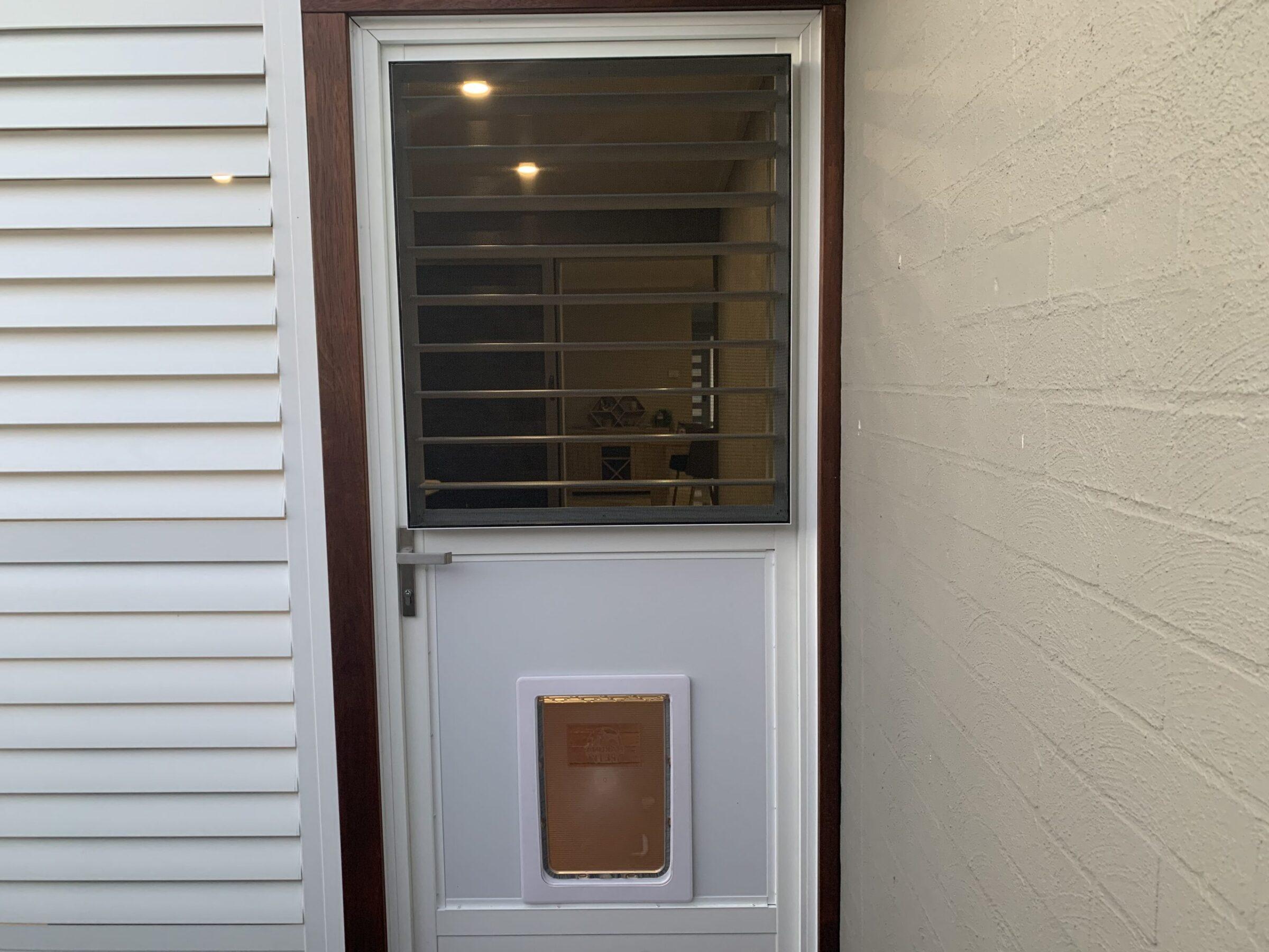 Hinged - hinged doors